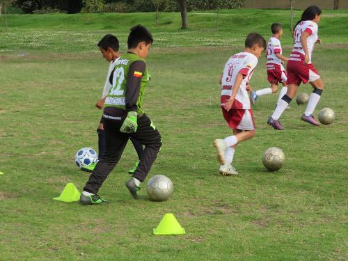 Escuela de Fútbol LA ROMA